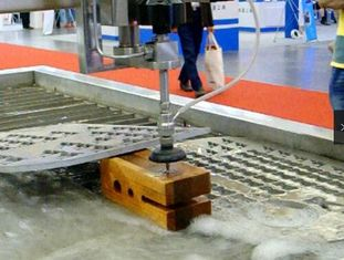 6000mmx2500mm Anti Corrosion Waterjet Wood Cutting Machine